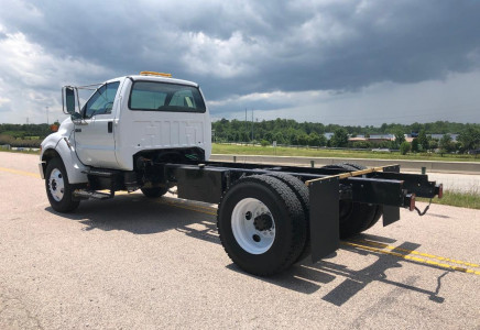 Image for Ford F-750 13' Cab and Chassis, 2007