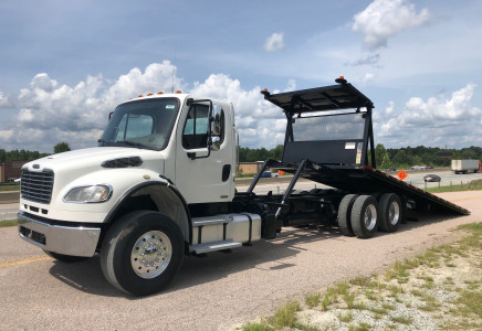Image for Freightliner M2 28' x 102